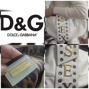❣️Dolce an Gabbana purse❣️